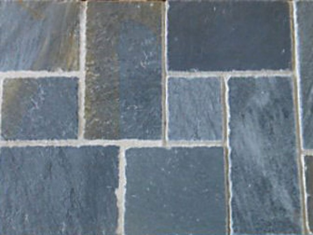 HANDCUT SLATES FOR FLOORS AND ROOFS