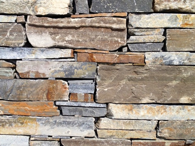 KARYSTOS NATURAL QUOINS BROWN GREEN